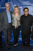 Ted Danson, Arianna Huffington and Deepak Chopra — Stockfoto