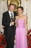 Anthony Dod Mantle, Natalie Portman — Stock Photo