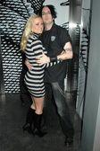 Katie lohmann och adam svart på födelsedagsfest för katie lohmann. s bar, hollywood, ca. 01-27-09 — Stockfoto