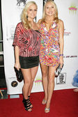 Katie Lohmann and Alana Curry at the West Coast Premiere of Space Girls in Beverly Hills. Regency Fairfax Cinema, Los Angeles, CA. 07-31-09 — Stock Photo