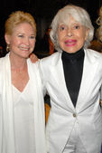 Dee Wallace Stone and Carol Channing — Stock Photo