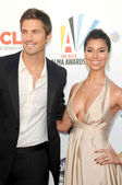 Eric winter e roselyn sanchez em 2009 o alma awards. royce hall ucla, westwood, ca. 17/09/09 — Fotografia Stock