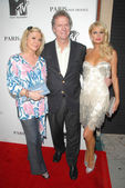 Kathy Hilton with Rick Hilton and Paris Hilton at the MTV Screening of 'Paris, Not France'. Majestic Crest Theater, Westwood, CA. 07-22-09 — Foto de Stock