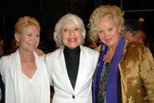 Dee Wallace Stone with Carol Channing and Sally Kirkland — Stock Photo