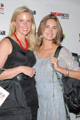 Ellen Gustafson and Lauren Bush at the Feed Health Backpack Launch Benefitting Awearness and Feed Projects. Living Homes, Santa Monica, CA. 08-26-09 — Stockfoto