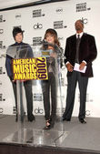 Adam Lambert with Paula Abdul and Snoop Dogg at the 2009 American Music Awards Nomination Announcements. Beverly Hills Hotel, Beverly Hills, CA. 10-13-09 — Stock Photo