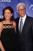 Kate Walsh and Ted Danson at Oceanas SeaChange Summer Party 2009. Private Residence, Laguna Beach, CA. 08-22-09 — Stock Photo