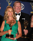 Jessica Lange and Ken Howard in the Press Room at the 61st Annual Primetime Emmy Awards. Nokia Theatre, Los Angeles, CA. 09-20-09 — Stock Photo