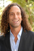 Kenny G at the ceremony honoring Dave Koz with a star on the Hollywood Walk of Fame. Vine Street, Hollywood, CA. 09-22-09 — Stock Photo