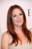 Julianne Moore at the 16th Annual Elle Women in Hollywood Tribute Gala. Four Seasons Hotel, Beverly Hills, CA. 10-19-09 — Stock Photo