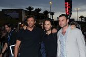 Hugh Jackman with Taylor Kitsch and Liev Schreiber — Stock Photo