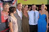 Kevin Costner with Christine Baumgartner and family — Stock Photo