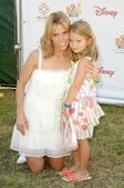 Cheryl Hines and her daughter Catherine — Stock Photo