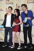 Taylor Lautner with Kristen Stewart and Robert Pattinson — Stock Photo