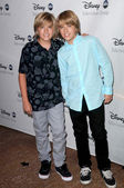 Dylan and Cole Sprouse — Stock Photo