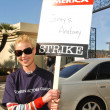 Постер, плакат: Katherine Heigl at the Writers Guild of America Picket Line in front of Paramount Studios Hollywood CA 12 12 07