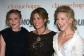 Kirsten Dunst with Rita Wilson and Kate Hudson — Stock Photo
