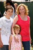 Virginia Madsen and family — Stock Photo