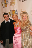 Tom Putnam with Paris Hilton and Heidi Ferrer — Stock Photo