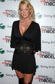 Kimberly Wolfe at the launch party for the new Sony Ericsson Z750 phone hosted by 'America's Most Smartest Model'. Winston's, West Hollywood, CA. 12-03-07 — Stock Photo