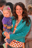 Joely Fisher and daughter True — Stock Photo