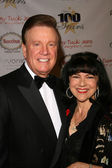 Wink Martindale and wife Sandy — Stock Photo