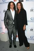 Kenny G and guest at Saks Fifth Avenues Unforgettable Evening To Benefit EIFs Womens Cancer Research Fund. Beverly Wilshire Hotel, Beverly Hills, CA. 02-20-08 — Stock Photo