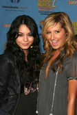 Vanessa Ann Hudgens and Ashley Tisdale — Stock Photo