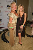 Tanya Tucker and daughter Presley — Stock Photo