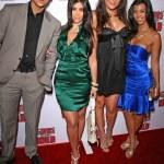 Постер, плакат: Robert Kardashian Jr and Kimberly Kardashian with Khloe Kardashian and Kourtney Kardashian