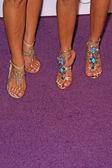 Sabrina Bryan et de Adrienne Bailon chaussures — Photo