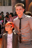 Jesse McCartney and brother Timothy — Stock Photo