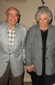 Sherwood Schwartz and wife Mildred — Stock Photo