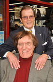 Roger moore et richard kiel — Photo