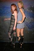Jenny Mcshane and Shana Sosin wearing shoes by Dans Sara — Foto de Stock