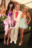Jayde Nicole with Hugh M. Hefner and Sara Jean Underwood — Foto de Stock
