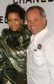Wolfgang Puck and guest — Stock Photo