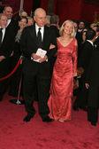 阿兰和妻子苏珊到达 80 学院奖。柯达剧院,好莱坞,ca.08/2/24 — 图库照片