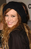 Hilary duff an die chanel und p.s. kunst party. chanel beverly hills boutique, beverly hills, ca. 20.09.07 — Stockfoto