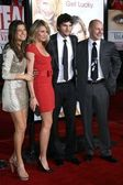 Lake Bell and Cameron Diaz with Ashton Kutcher and Rob Corddry — Zdjęcie stockowe