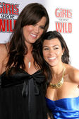 Khloe Kardashian and Kourtney Kardashian — Photo