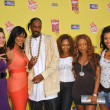 Постер, плакат: Snoop Dogg and the Flavor of Love Girls