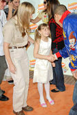 Terri Irwin with Bindi Irwin and Chris Brown — Stock Photo