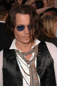 "Johnny Depp at the World Premiere of ""Pirates of the Caribbean: At World's End"" Benefitting the Make A Wish Foundation. Disneyland, Anaheim, CA. 05-19-07 — Stock Photo"
