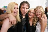 Susan Yeagley and Kevin Nealon with Rachael Harris and Arden Myrin — Stock Photo