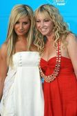 Ashley Tisdale, Jennifer Tisdale — Stock Photo