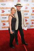 Mickey Dolenz and wife Donna — Stock Photo