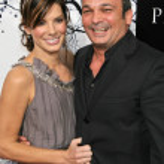 ������, ������: Sandra Bullock and Mennan Yapo