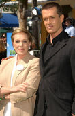 Julie Andrews and Rupert Everett — Stock Photo