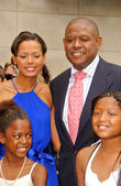 Keisha Whitaker with Forest Whitaker and family at the ceremony honoring Forest Whitaker with the 2,335th Star on the Hollywood Walk of Fame. Hollywood Boulevard, Hollywood, CA. 04-16-07 — Stock Photo